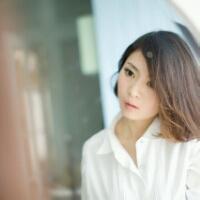 白衬衫女生头像图片