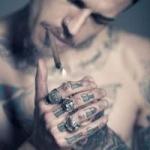 qq头像男生纹身抽烟 霸气的男生头像抽烟纹身