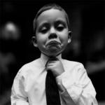 外国小孩打领带图片头像 高清可爱的小孩穿衬衫打领带照片头像