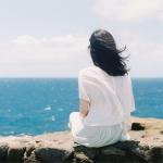 海边伤感女生背影头像图片,怕眼泪让你看到