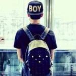男生头像背影戴帽子 帅气的头像男生背影带帽子