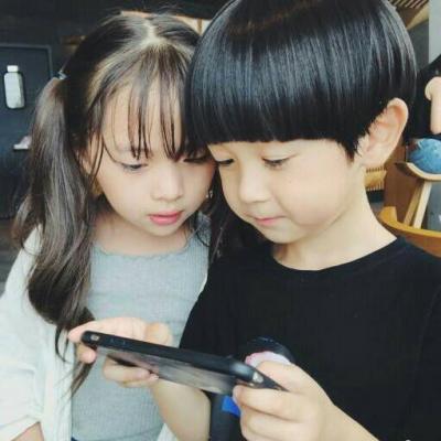 萌小孩情侣头像一对两张 高清可爱的小孩情侣头像超萌