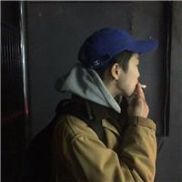 男生头像冷酷帅气抽烟