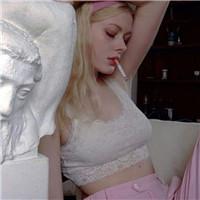 个性头像女生霸气抽烟图片大全