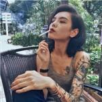 抽烟头像女生霸气十足 很社会的霸气纹身女生抽烟图片头像
