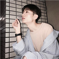 qq头像男抽烟图片