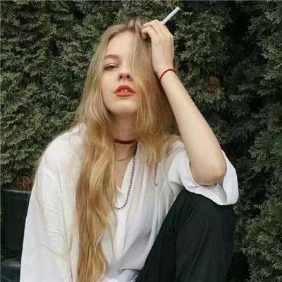 伤感吸烟头像女