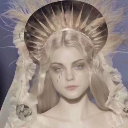 哭泣圣母头像图片