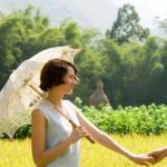 qq个性情侣头像真人图片 情侣甜蜜对视超恩爱