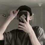 手机控男生自拍头像高清超帅图片 真实的帅气男生自拍照真人