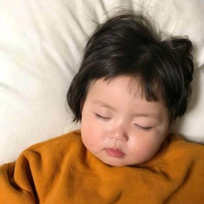 萌娃睡觉图片头像