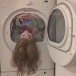 可爱搞笑的洗衣机情头图片 一人一猫