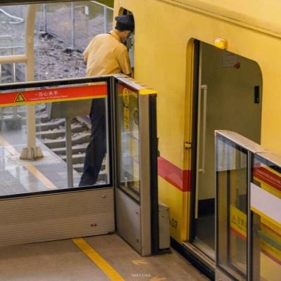 高清暖色系黄色背景图片头像