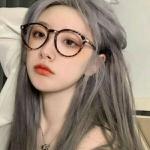 戴眼镜图片头像女生 高清超好看的女生戴眼镜头像大全
