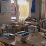 伤感学校记忆头像图片 教室 窗外 走廊 楼梯口