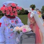 太空系列情侣头像 高清唯美的戴头盔太空人情头图片