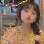 小女孩网图头像可爱 萌娃