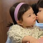 大q宝和丸子情侣头像 超萌可爱的大Q宝和小女孩的情头图片