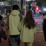 街拍背影情侣头像双人 甜蜜藏在细节中