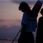 海边情侣头像成熟有魅力 高清一左一右的情头情侣双人夜景图片