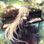 动漫弹钢琴女生头像图片 二次元中的黑白精灵