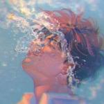 水中呼吸男生动漫头像图片 仙气弥漫的水域