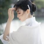 书香气息知性女生头像图片