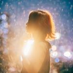 夜晚雨中伤感女生头像图片,我在下雨的时候最想你